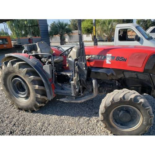 Tractor CASE 85N
